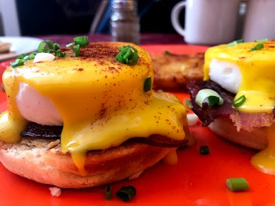 Dakar Academy now serves American brunch and breakfast in a new partnership with Mawa's Taste of America.