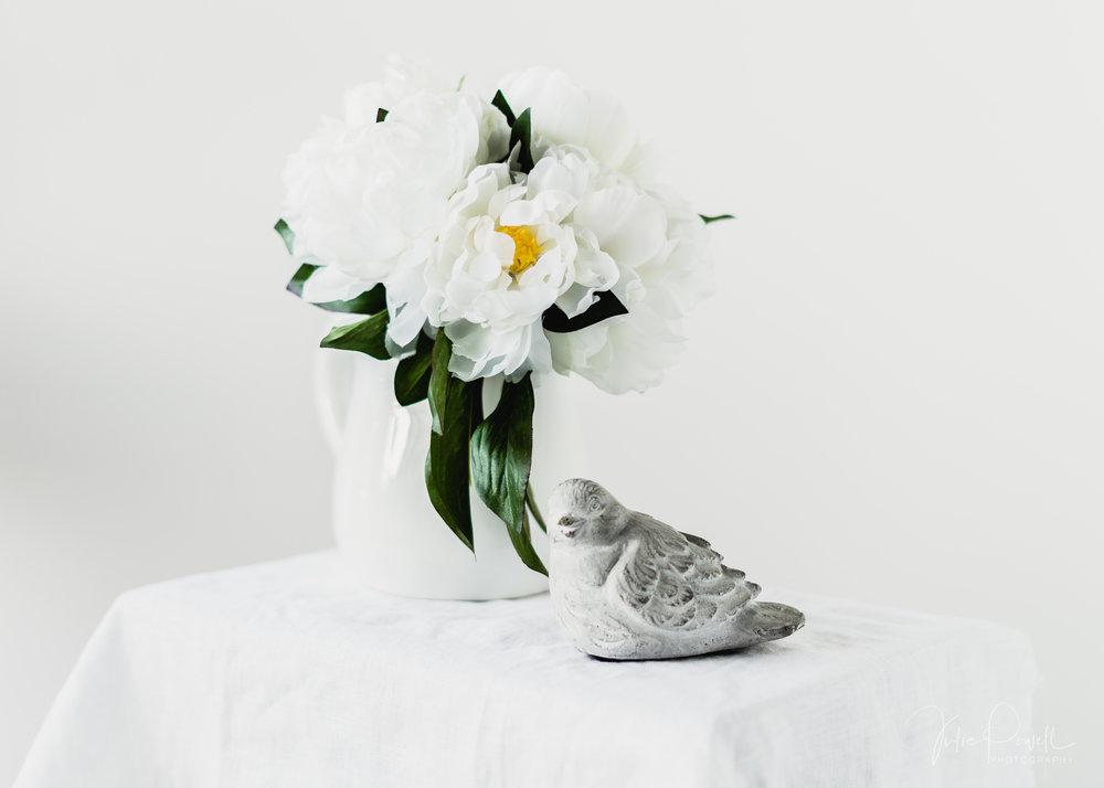 White on White, on White - ISO100 F/2.0, 1/40 - 50mm Prime