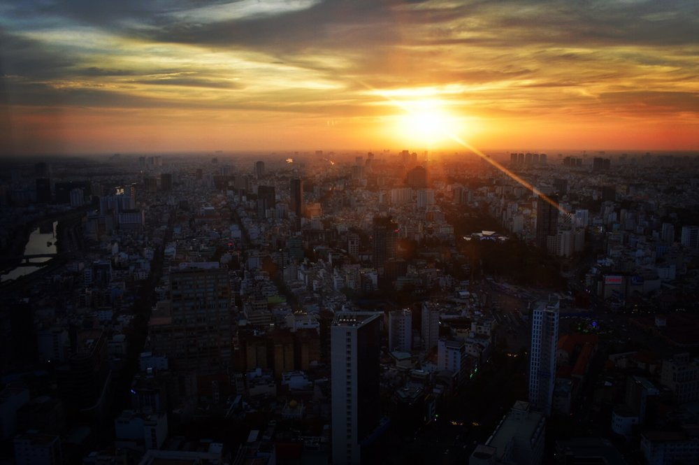 One of the most amazing sunsets from up high at Bitexco Financial Tower