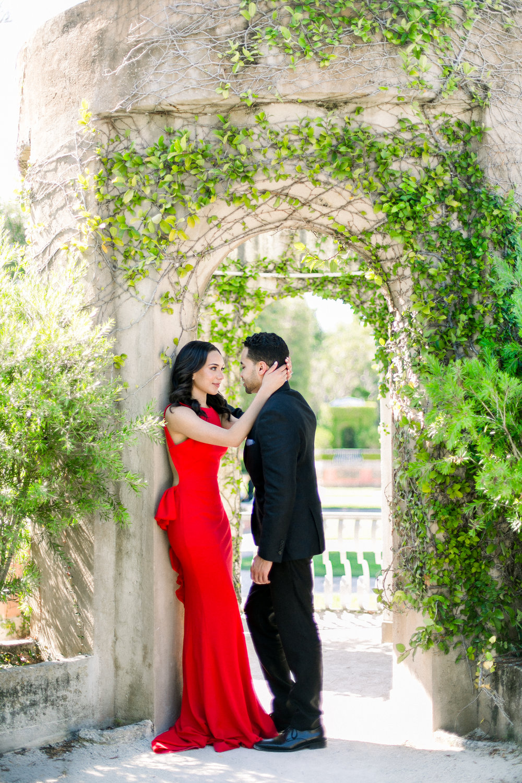 Vizcaya Museum Engagement Photos_9651-Edit.jpg