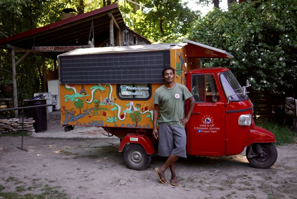 naveen-with-tuktuk