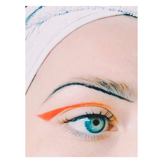 Orange is the new black... #orangeeyeliner #eyeliner #browliner #cateye #makeuplook #beauty #colours #orange #orangeisthenewblack #blueeyes #turquoise #makeupartist #makeuplover #beautylover #makeup #eyes #makeuplook #inspiration #makeupbyme #photobyme