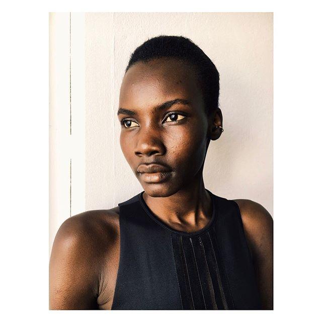 Patricia.... #beauty #natural #model @akellopatricia #behindthescenes #skin #blackskin #blackisbeautiful #glow #naturalglow #blackmodel #photography #photobyme