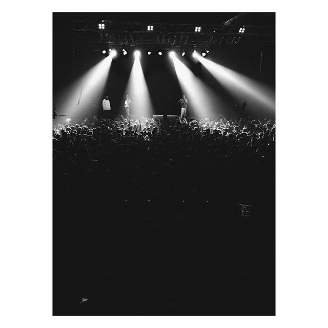 Migos... #culturetwo #culture #migos #concert #berlin #huxleysneuewelt #photography #lights #stage #thatway #hiphop #