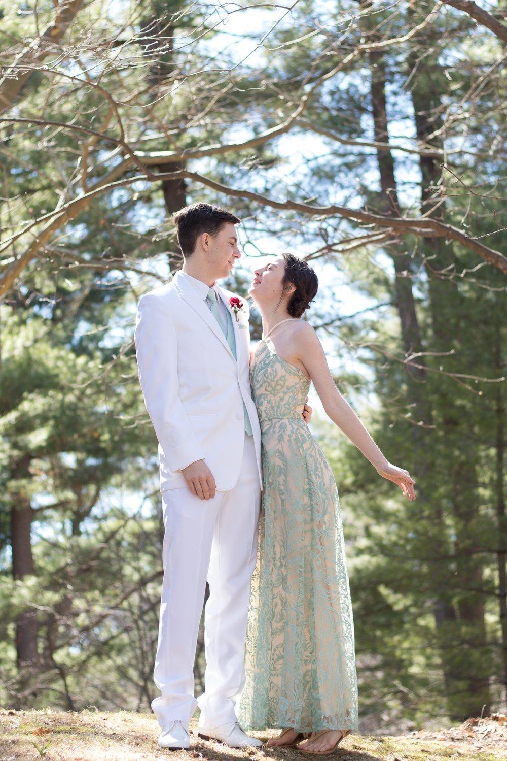 Prom Thomas and Em Thomas (3).jpg