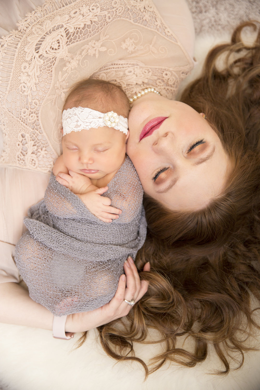 Charlotte Newborn Lifestlye Session (25).jpg