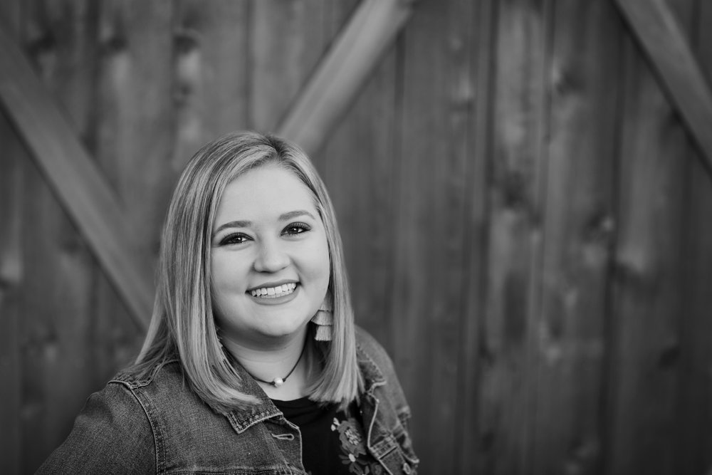 Baylee Senior Session 11032018 (4) bw.jpg