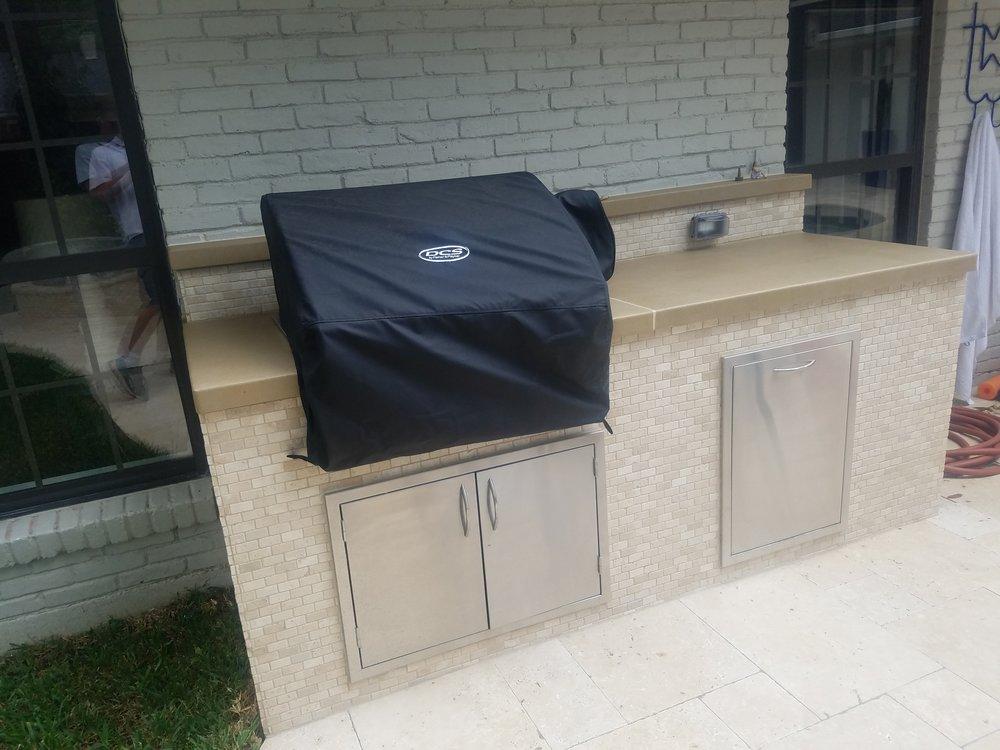 Louria 2508  BBQ Veneer & Counter (1).jpg
