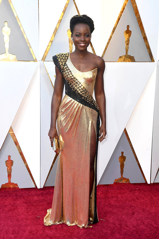 Lupita-Nyongo-Danai-Gurira-Oscars-2018-Red-Carpet-Fashion-Atelier-Versace-Gabriela-Hearst-TOm-Lorenzo-Site-5.jpg