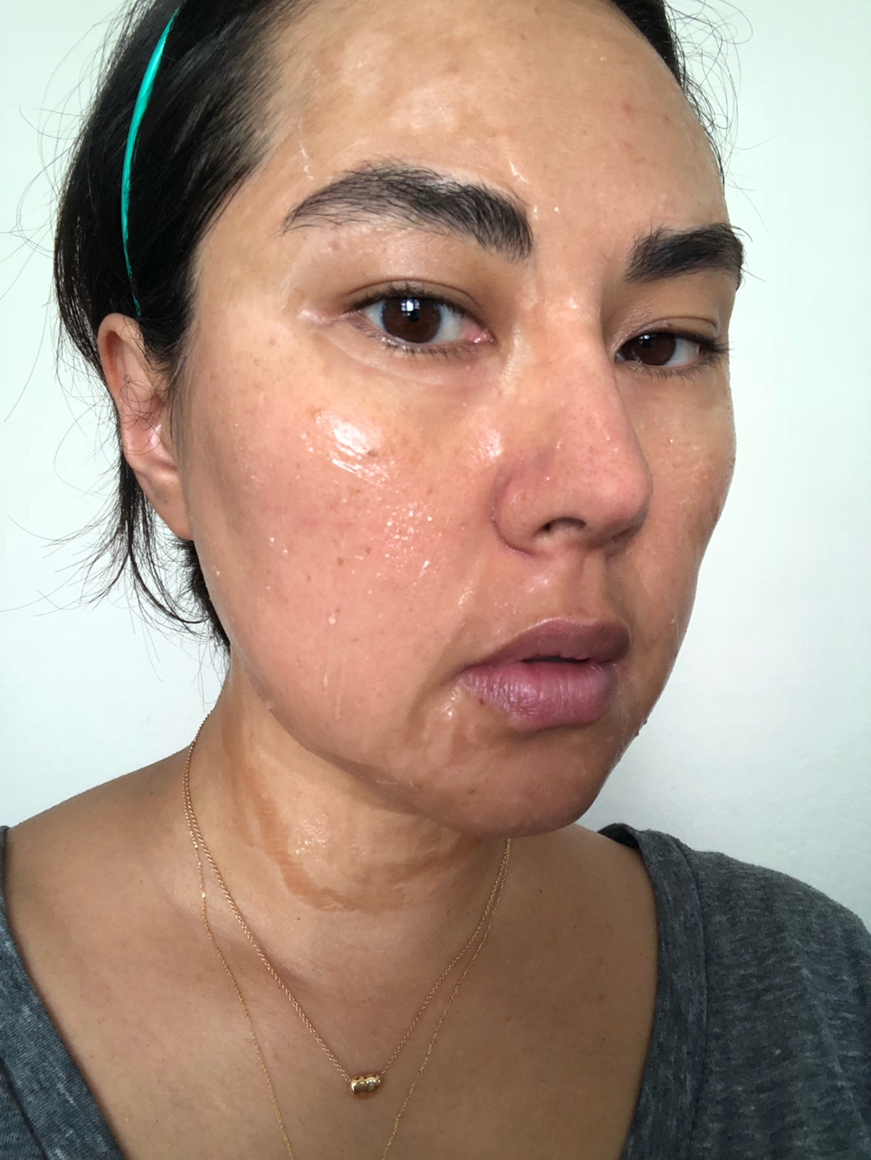 10 minutes - parts of my forehead, nose, mouth, neck, and second chin are already drying and beginning to pull. -