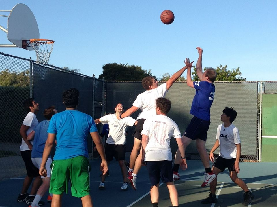 Social sports community basketball