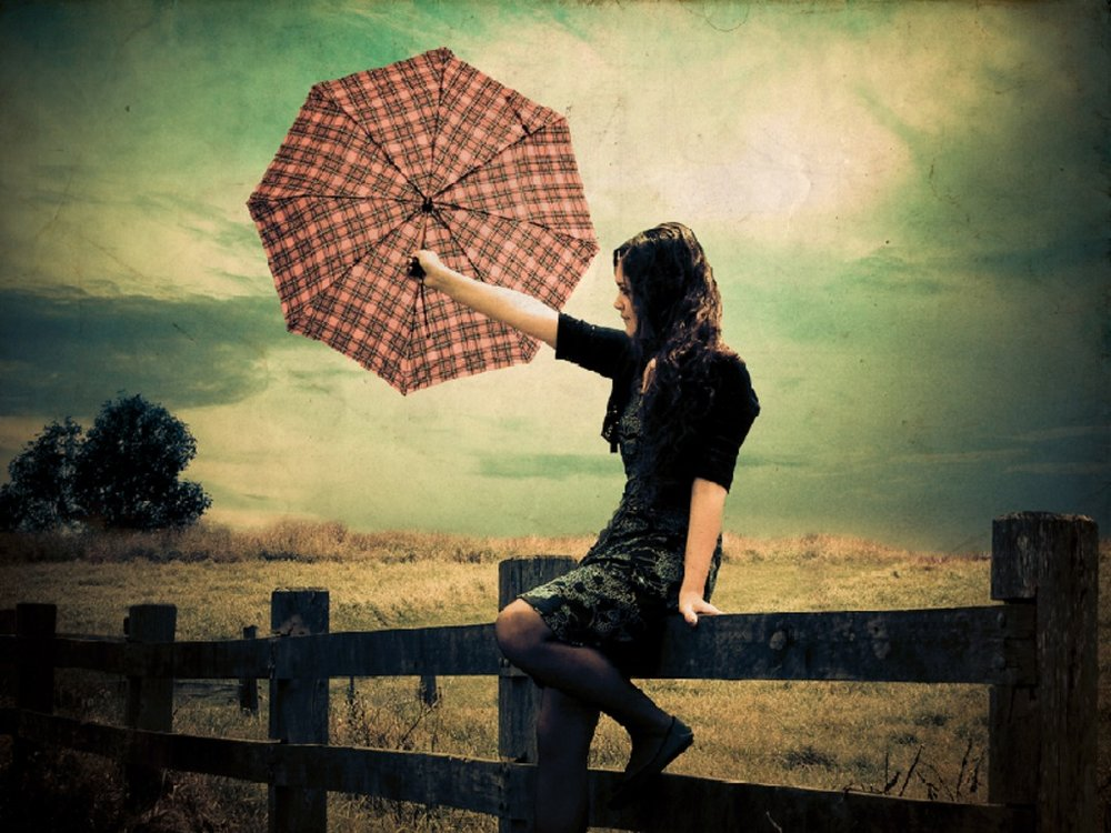 girl_with_umbrella_wallpaper__yvt2.jpg