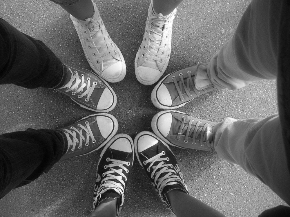Brands_Converse_shoe_circle__046354_.jpg