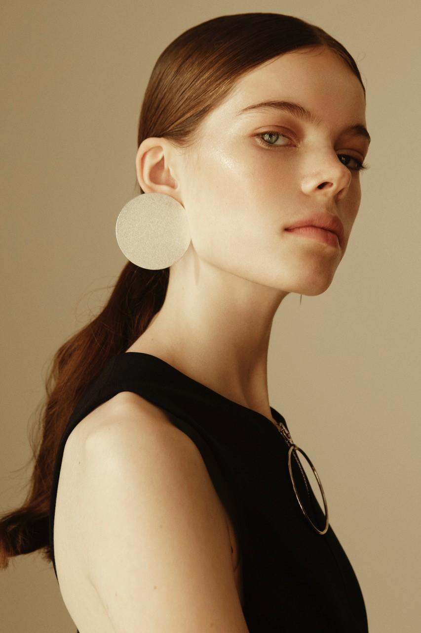 Mua   Sarah Redzikowski  Photog   Lucas Suchorab  Model   Nina of Next Models  Stylist   Liza Jugolainen