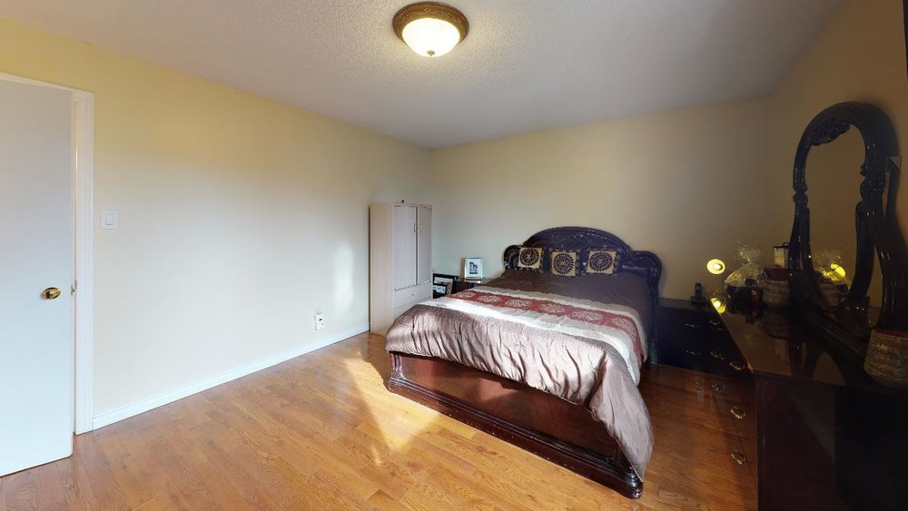178-Richvale-Drive-South-Bedroom.jpg