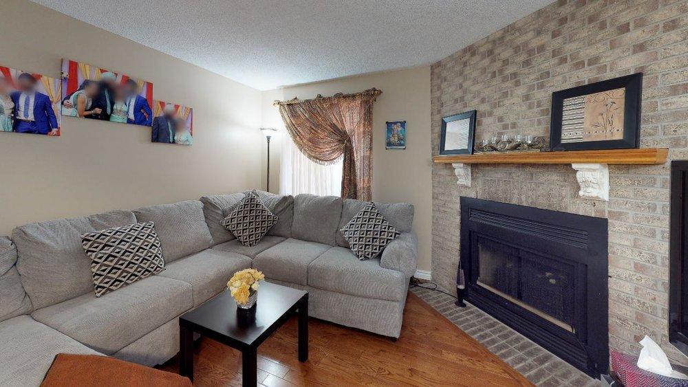 178-Richvale-Drive-South-Living-Room(4).jpg