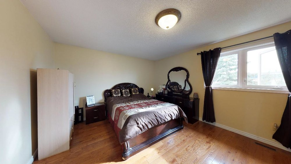 178-Richvale-Drive-South-Master-Bed-Room.jpg