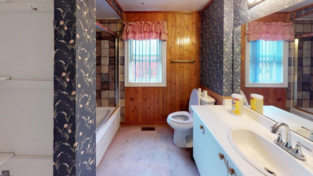 Pre-Reno-State-172-Radford-Drive-Bathroom.jpg