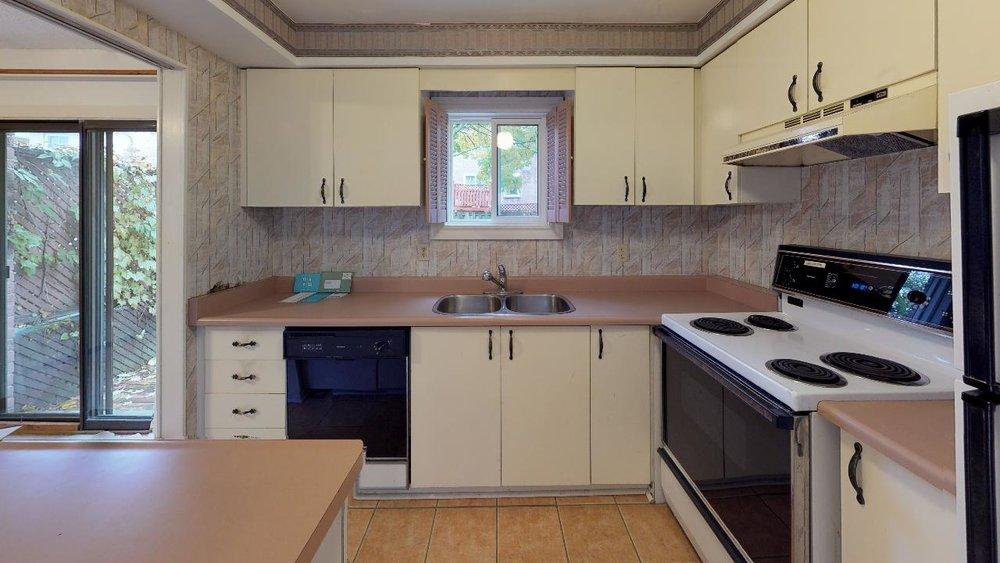 Pre-Reno-State-172-Radford-Drive-Kitchen(1).jpg