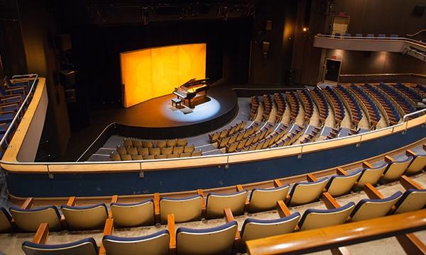 QUEEN ELIZABETH THEATRE - LOCATION: VANCOUVERRECEPTION: 1850 | DINING: 900