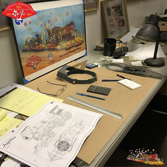 Planning, building, decorating — it's the only order that works. 2019 @rose_parade @uprr @bachmanntrains @bankofamerica @fiestaparadefloats @pangeacorp #harmonythroughunion
