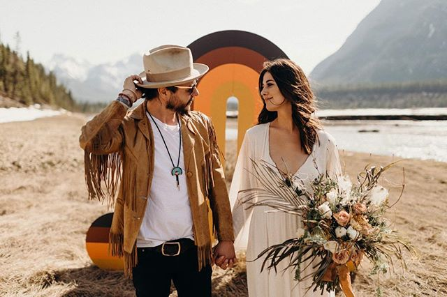 We are endlessly grateful for everyone who made yesterday the dream that it was 🌞 Babes: @amandaaa_ + @jeremy_grey_  Hair + makeup: @lannaleigh  Florals: @wildlyus Backdrop: @mlafond  Video: @portraitsbylucy