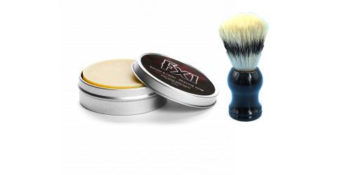 Le savon à rasage et le blaireau de FX1