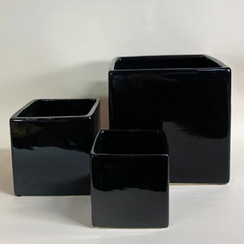Ceramic_Glossy_cube_black.jpg