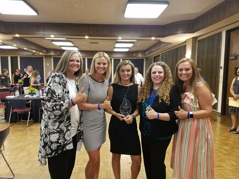 Pam Lindsey, Jenni Lindsey Hedrick, Shelby Dunphy-Day, Kiwanis Club President Summer Mills and Ashley Lindsey Eddy