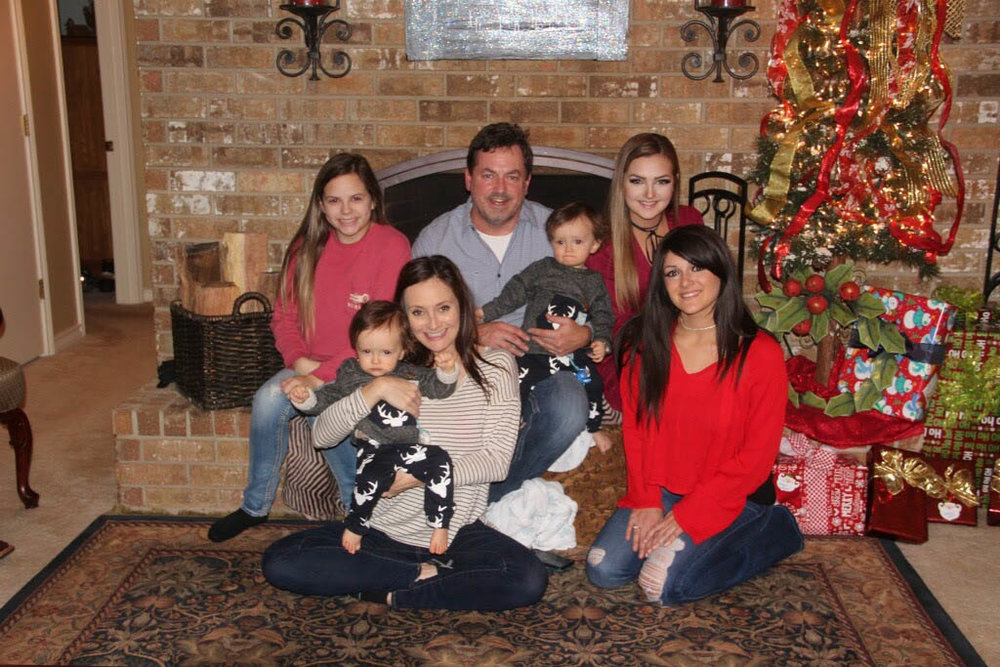 Karson, Ashlynne, Trent and Kanon spending Christmas at Miranda's father's house in DeKalb in 2016