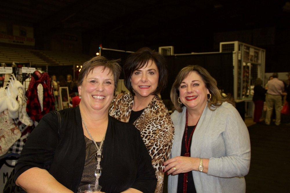 Lisa McGuire, Deanna Craytor and Lynn Whitt
