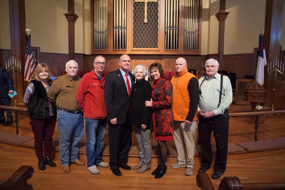 """Julie and Freddie Easterling, Scott Brown, Mayor Allen Brown, Linda Brown, Shelby Brown, Brian """"Boomer"""" Brown and Jerry Brown"""