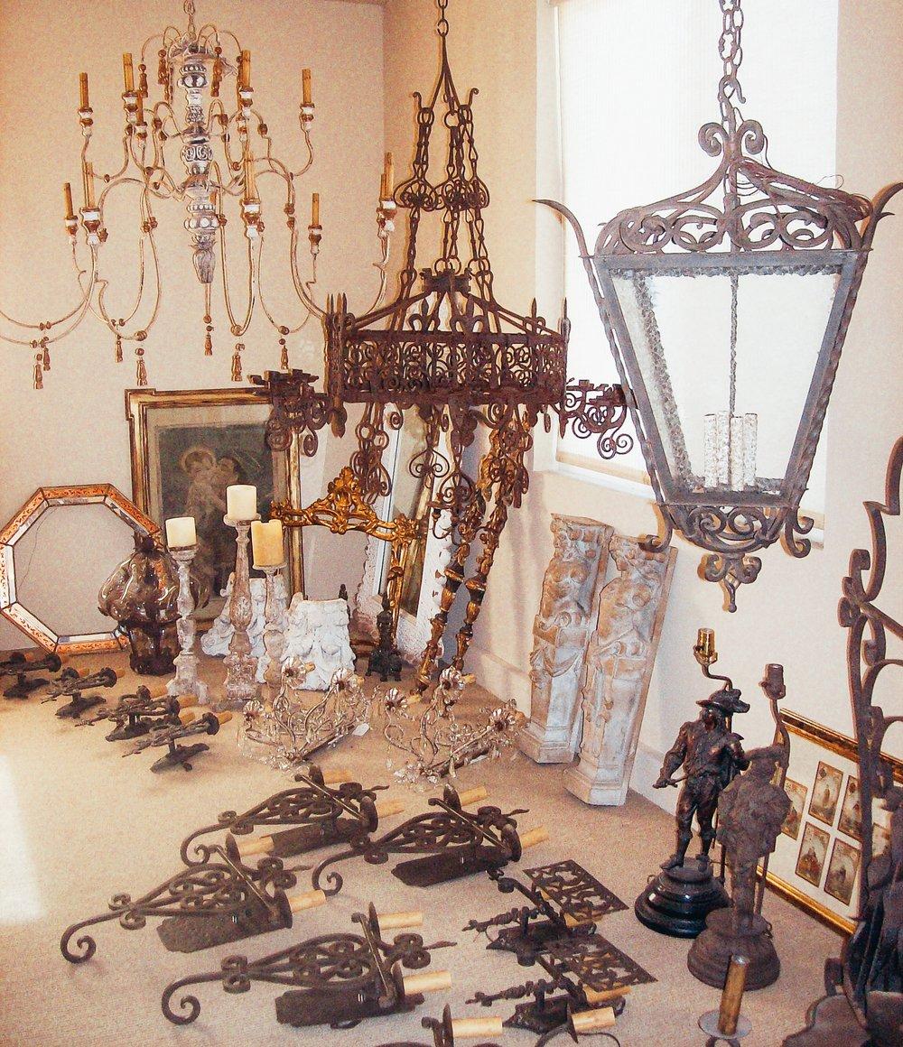 chandelier-fine-lighting-furnish-0810.jpg