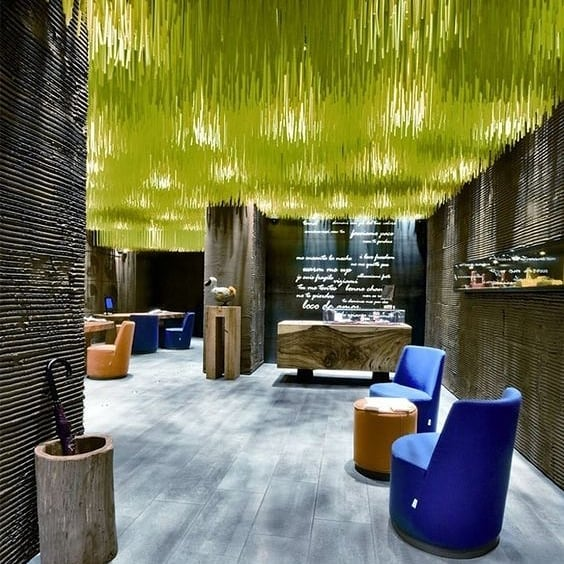 Ceiling envy... 💚 #interiordesign #design #interiordesigner #custommade #art #interiors #custom #decor #instadesign #style #designer Dodo Boutique jewelry store by @paola.navone in Florence
