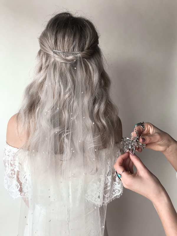 Tips to styling a bridal veil- By Untamed Petals