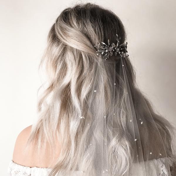 Bridal Veil styling tips from Untamed Petals
