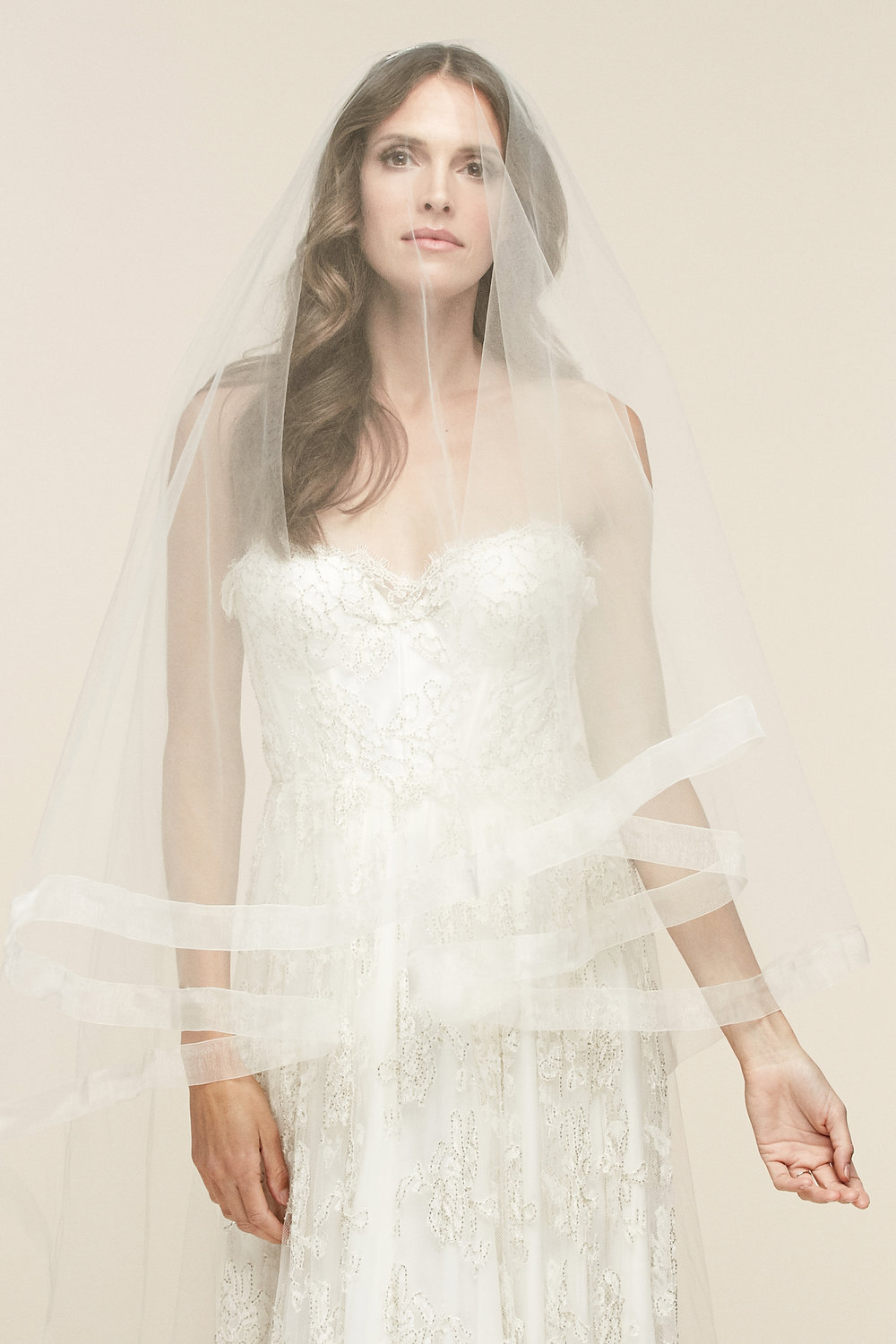 Milan Veil   Details- 1.5″ sheer organza edge with blusher  Available in all colors and lengths