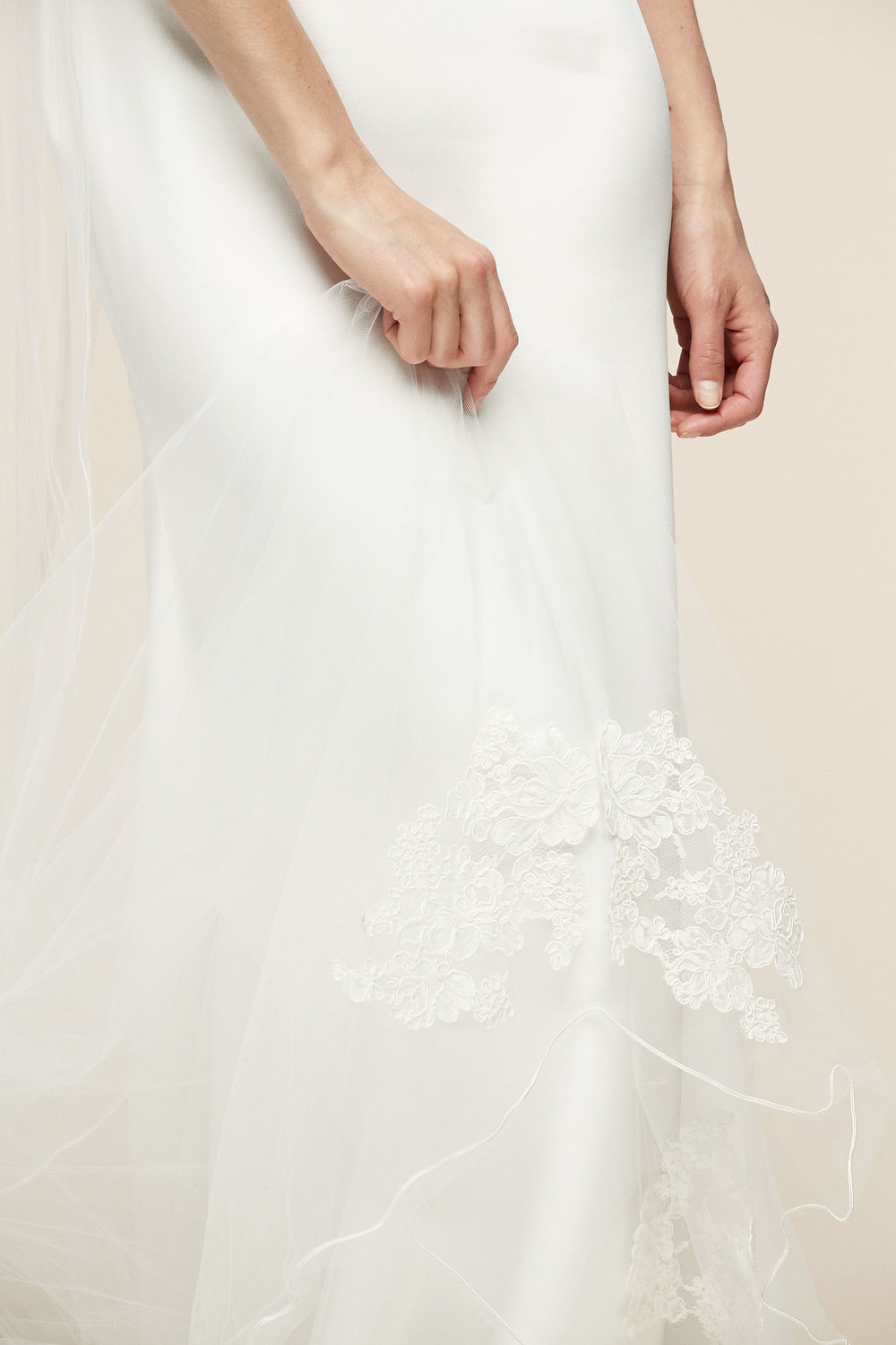 Peony Veil   Details- Scallop edge veil with lace detail at bottom  Available in all colors and lengths