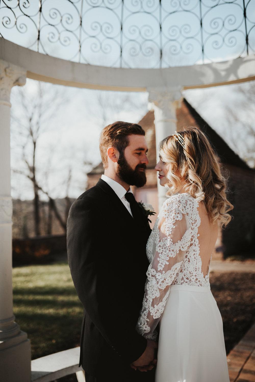 outdoor wedding keyhole back lace wedding dress