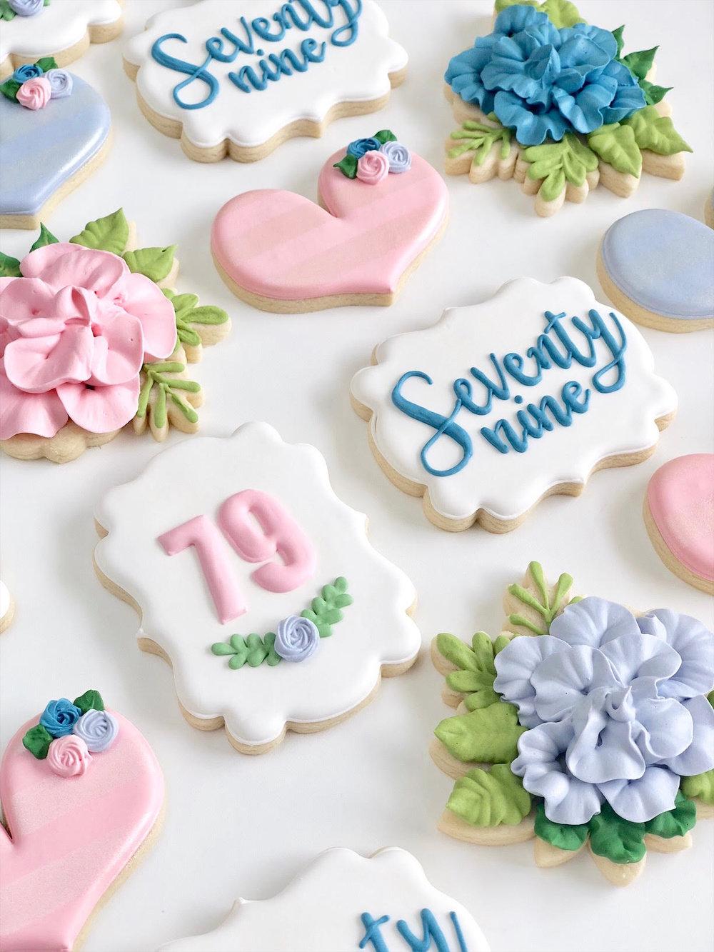 flower sugar cookies _1.jpg