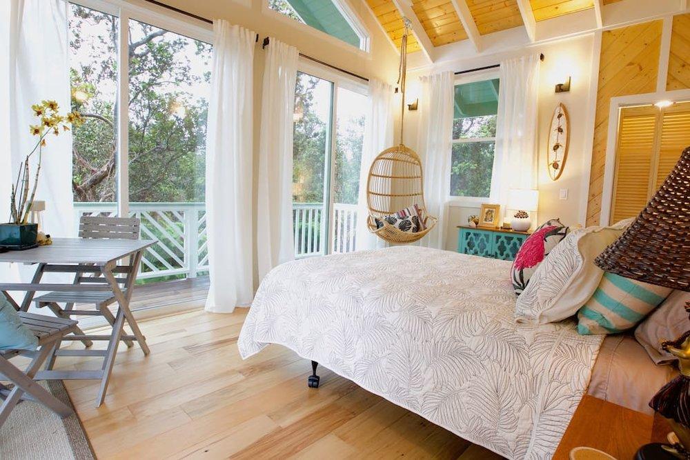 hawaiian-tree-cottage-2.jpg