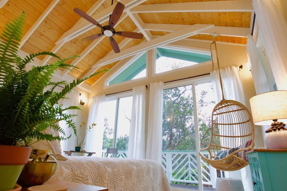 hawaiian-tree-cottage-4.jpg