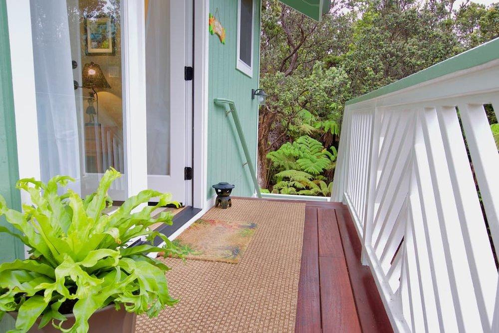 hawaiian-tree-cottage-13.jpg