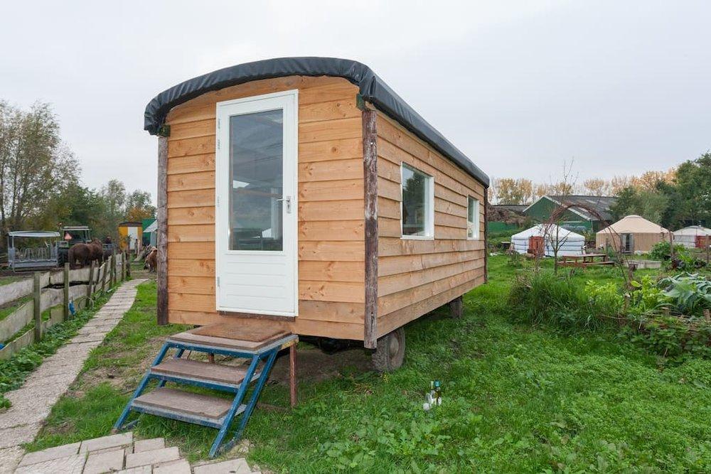 dutch-caravan-tiny-house-1.jpg