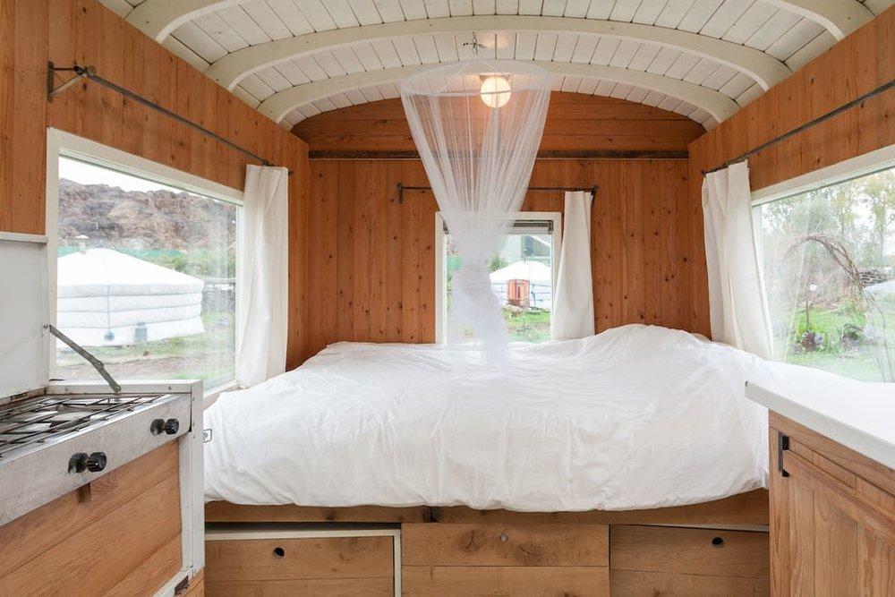 dutch-caravan-tiny-house-11.jpg
