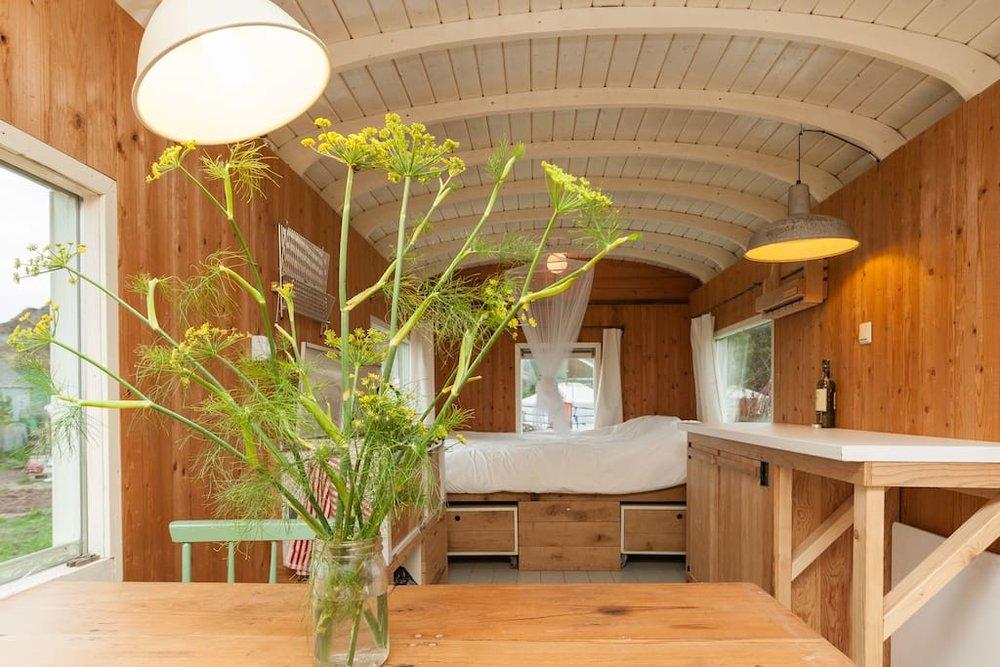 dutch-caravan-tiny-house-14.jpg
