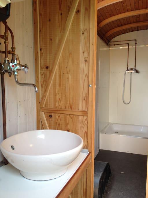 dutch-caravan-tiny-house-18.jpg
