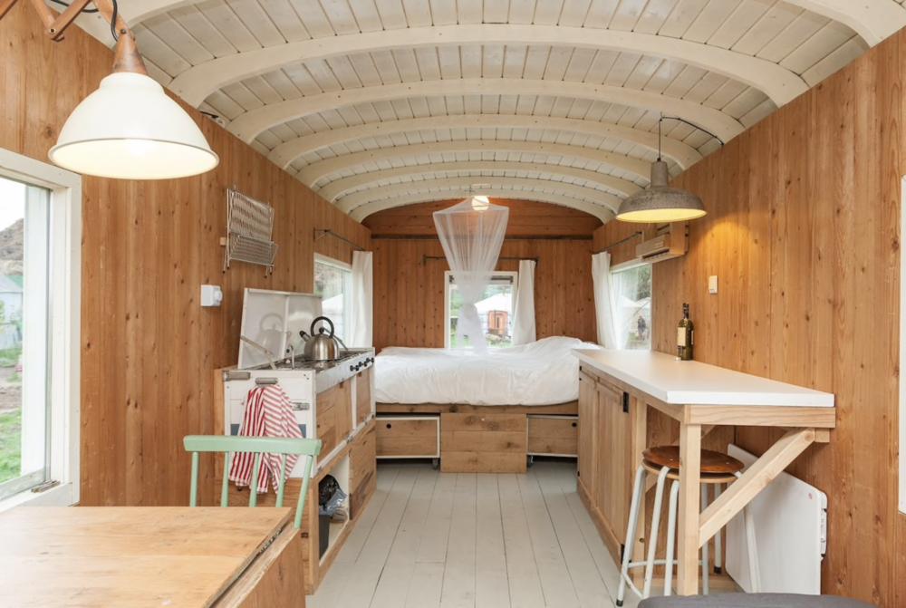 dutch-caravan-tiny-house-4.png