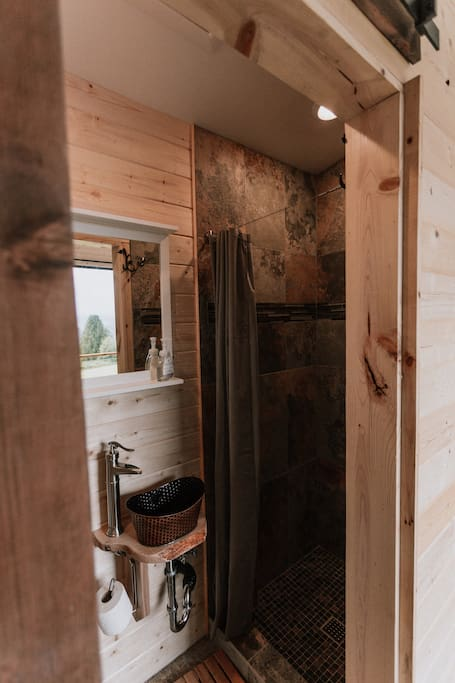 mt-hood-view-cabin-10.jpg