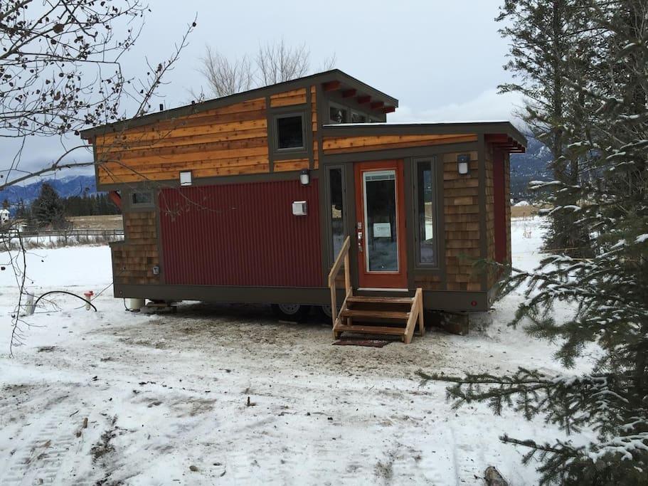 creakside-acreage-tiny-house-1.jpg